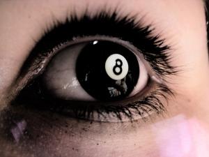 8 ball eye